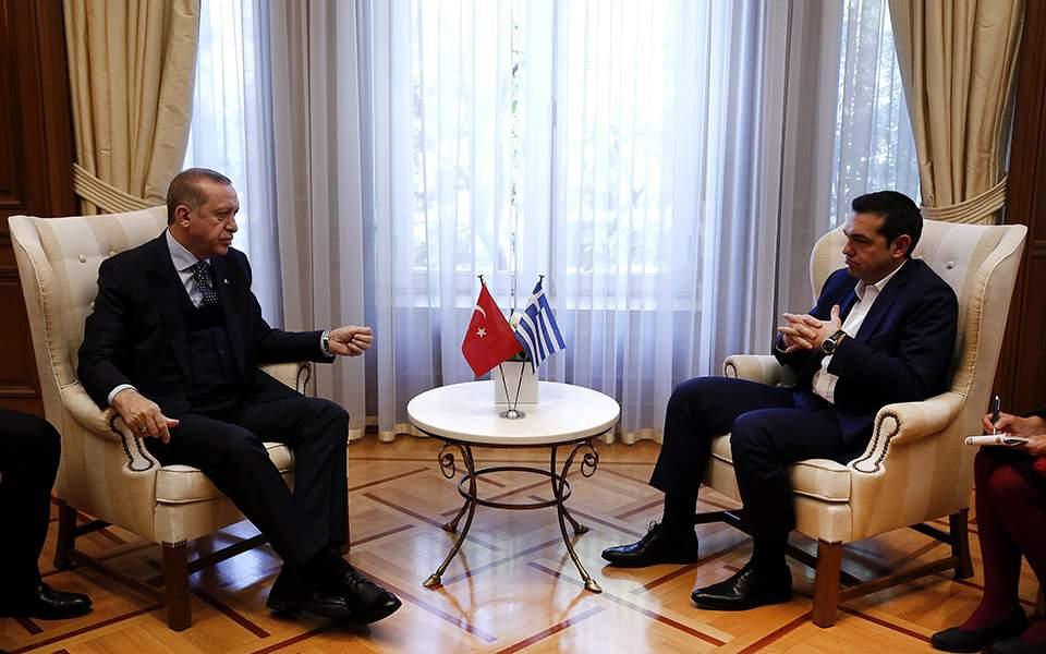 Αμεση απελευθέρωση των δύο στρατιωτικών ζήτησε ο Αλ. Τσίπρας από τον Ερντογάν 1