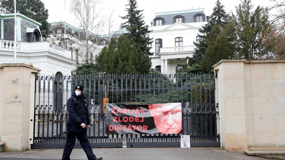 Στην αντεπίθεση η Ρωσία μετά την απέλαση διπλωματών της από την Τσεχία